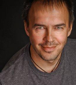 Влад Новиков
