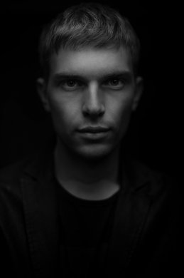 Антон Кикер