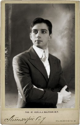 Анатолий Сазонов