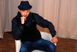 Павел Генов