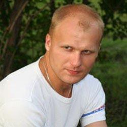 Михаил Стариков