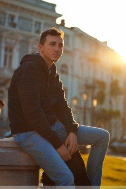 Константин Колесников
