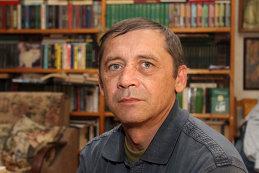 Владимир Карлов