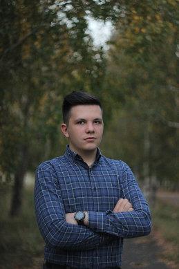 Валентин Уваров