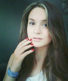 Лиза Коркунова