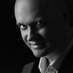 Руслан Комаров