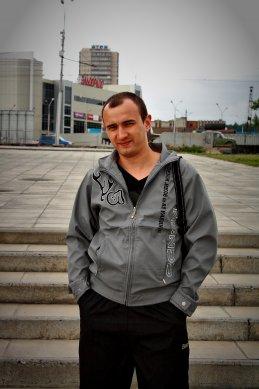 Антон Котов