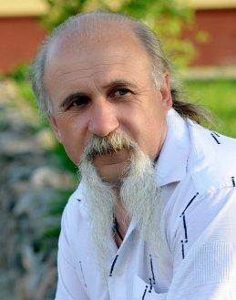 Александр Сарнавский