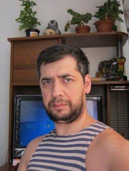 Александр Бочаров