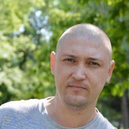 Евгений Хомутов