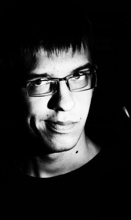 Александр Алексеенко