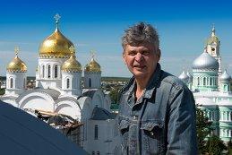 Андрей Холенко