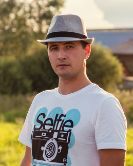 Антон Смирнов