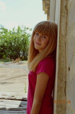 Варя Суханова