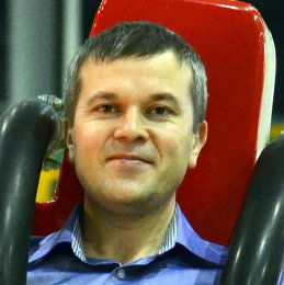 Олег Ермолаев