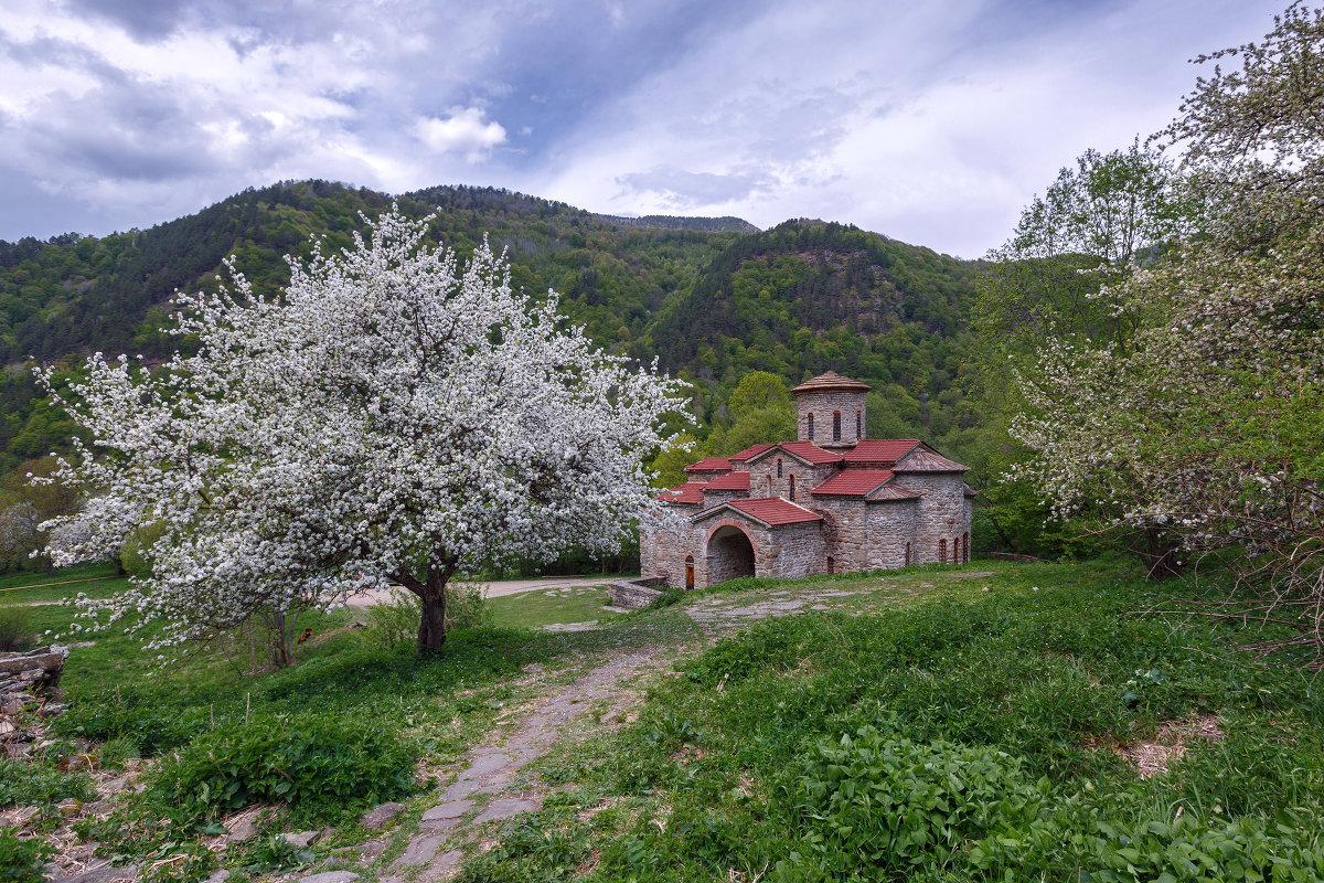 Большой Зеленчукский храм весной ... - Vadim77755 Коркин