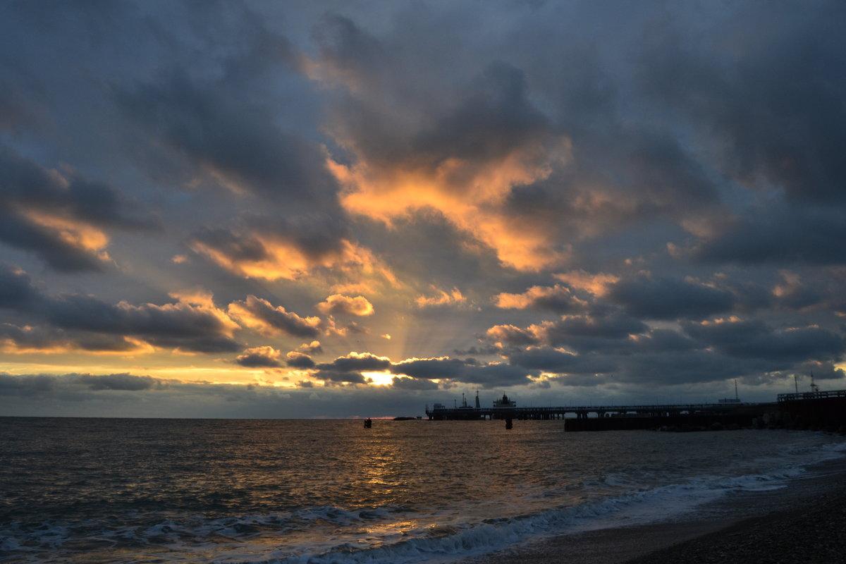 Закат на берегу черного моря. - Алексей Ефимов