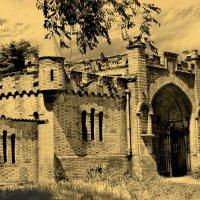 Северные ворота замка Попова. :: Виктор Комиссаров