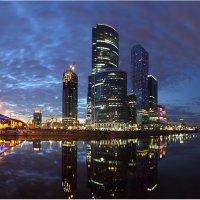 Облачный целлюлит над Сити :: Виктория Иванова