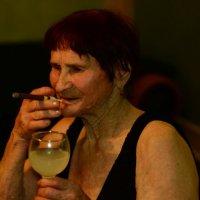 Пьянство-это не отдых, а тяжкий и изнурительный труд) :: Евгения Красова