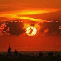 Закат над селом Красное :: Евгений Жиляев