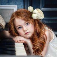 Полина, солнечная девочка. :: Елена Деева
