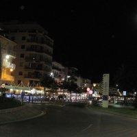Ночная жизнь приморского города :: ponsv