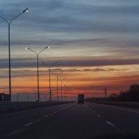Сумерки, дорога, огни :: Виктория Велес