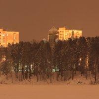 Железногорск.Вид на храм со льда замершего озера. :: Владилен Панченко