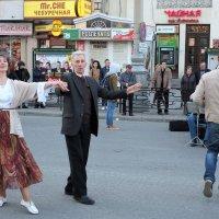 Возраст танцу не помеха :: Лев Капник