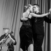 Аргентинское танго ... :: Лариса Корженевская