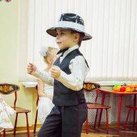 Танец для мам :: Анна Миронова