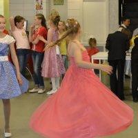 Мальчики, мы для вас танцуем! Посмотрите, пожалуйста!!! :: Tatiana Lesnykh Лесных