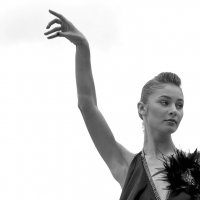 Танцы на улице :: Сергей Тюленев