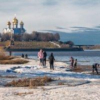 Тает снег :: Владимир Голиков