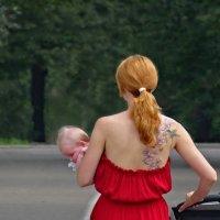 Мадонна с младенцем... :: Elena