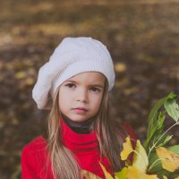Нежный портрет золотой осенью :: Ольга Штанько