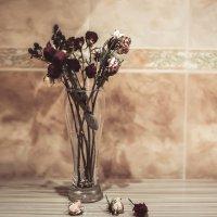 Букет из сухих роз :: Кира Пустовалова - Степанова