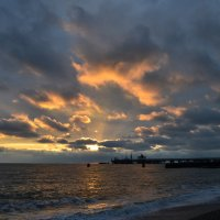 Закат на берегу черного моря. :: Алексей Ефимов