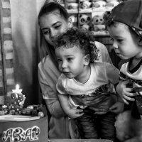 День Рождения двойняшек. :: Галина Шляховая