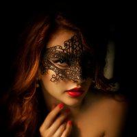 Девушка в маске :: Talika Talika