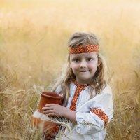 Девочка в поле :: Ольга Габеева