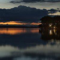 Закат над озером :: Алексей