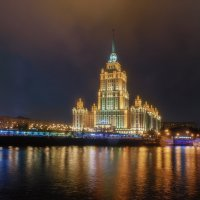 Ненастный поздний вечер. :: Александр Орлов