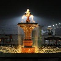 Ночной фонтан :: Vlad Сергиевич