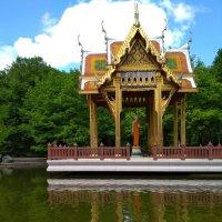 Тайландская зала со статуей Будды в Вест парке. Мюнхен :: Людмила В.