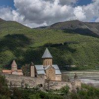 Крепость Ананури :: Владимир Орлов