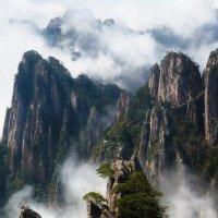 Горы Хуаншань. :: Сергей Изотов