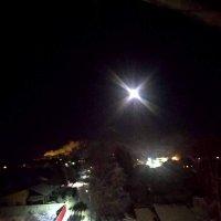 Над Ладогой взошла луна... Вечерело... :: Александр Ильин