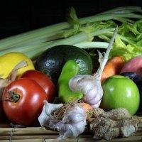 Натюрморт из витаминов :: Владимир Сарычев